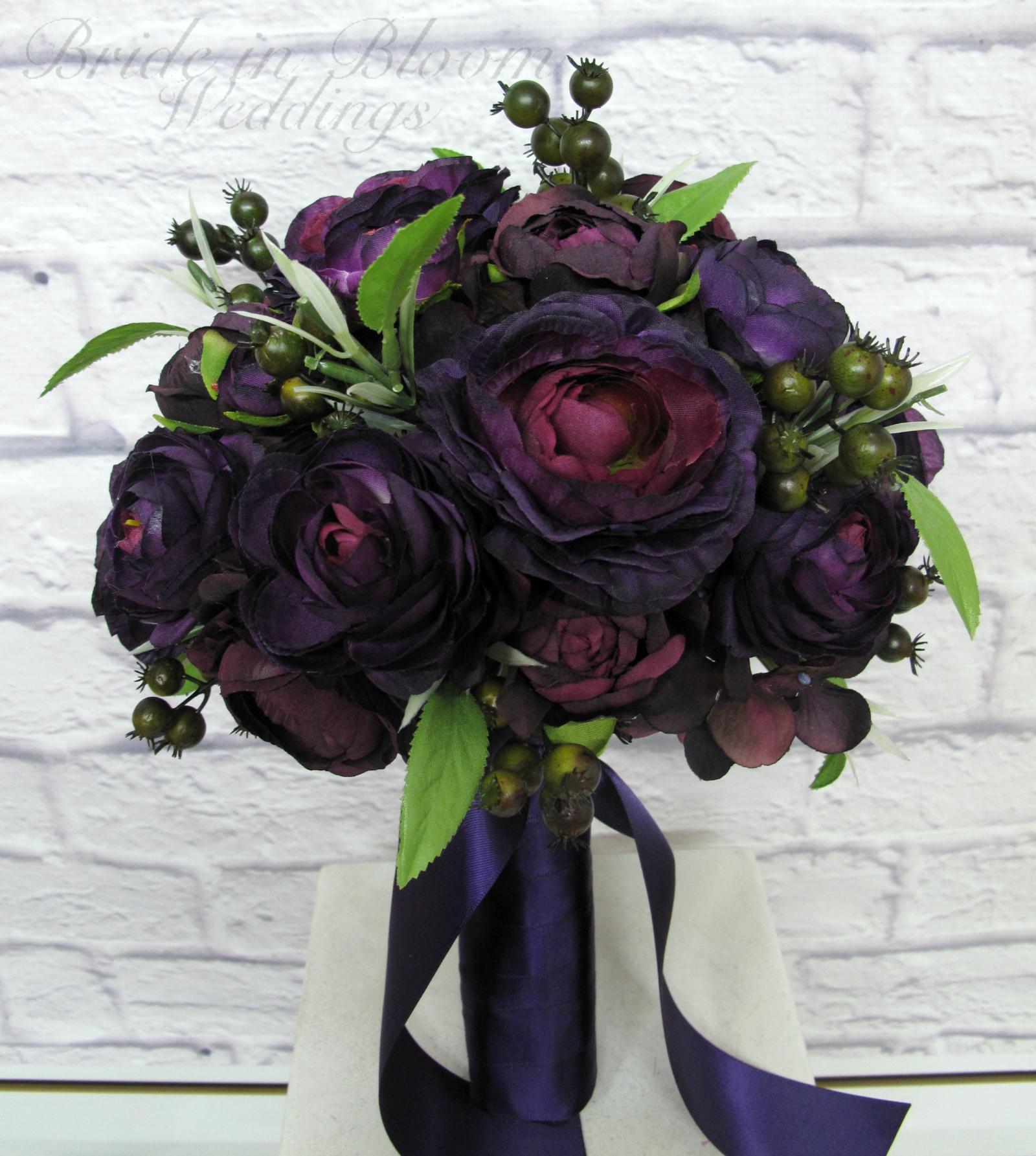 Purple ranunculus Wedding bouquet | Bride in Bloom