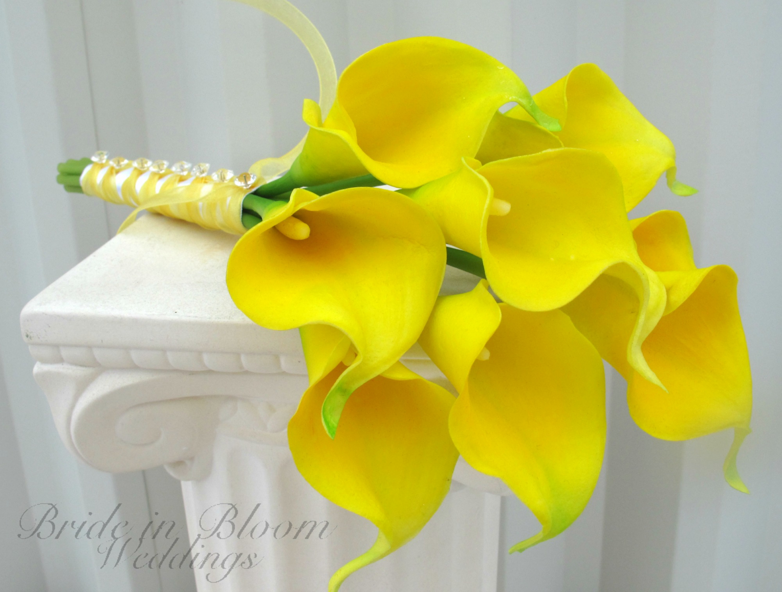 yellow calla lily wedding bouquet bride in bloom. Black Bedroom Furniture Sets. Home Design Ideas