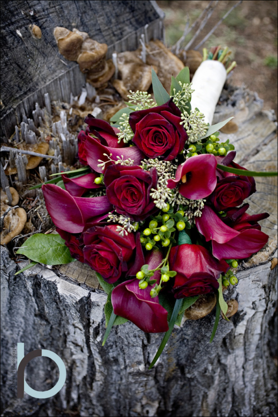 baccara_rose__red_calla_bouquet_1.jpg