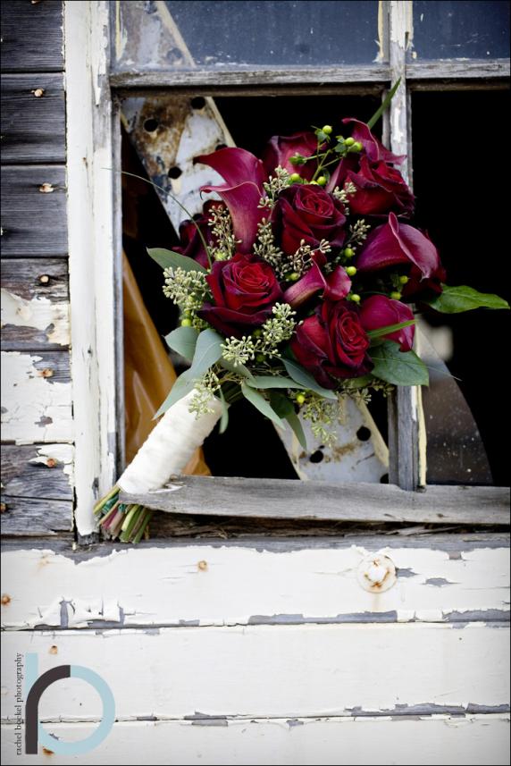 baccara_rose__red_calla_bouquet_2.jpg