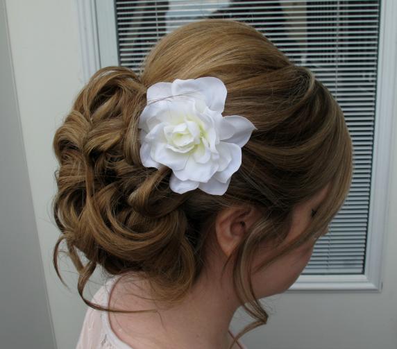 white_gardenia_hair_pin.jpg